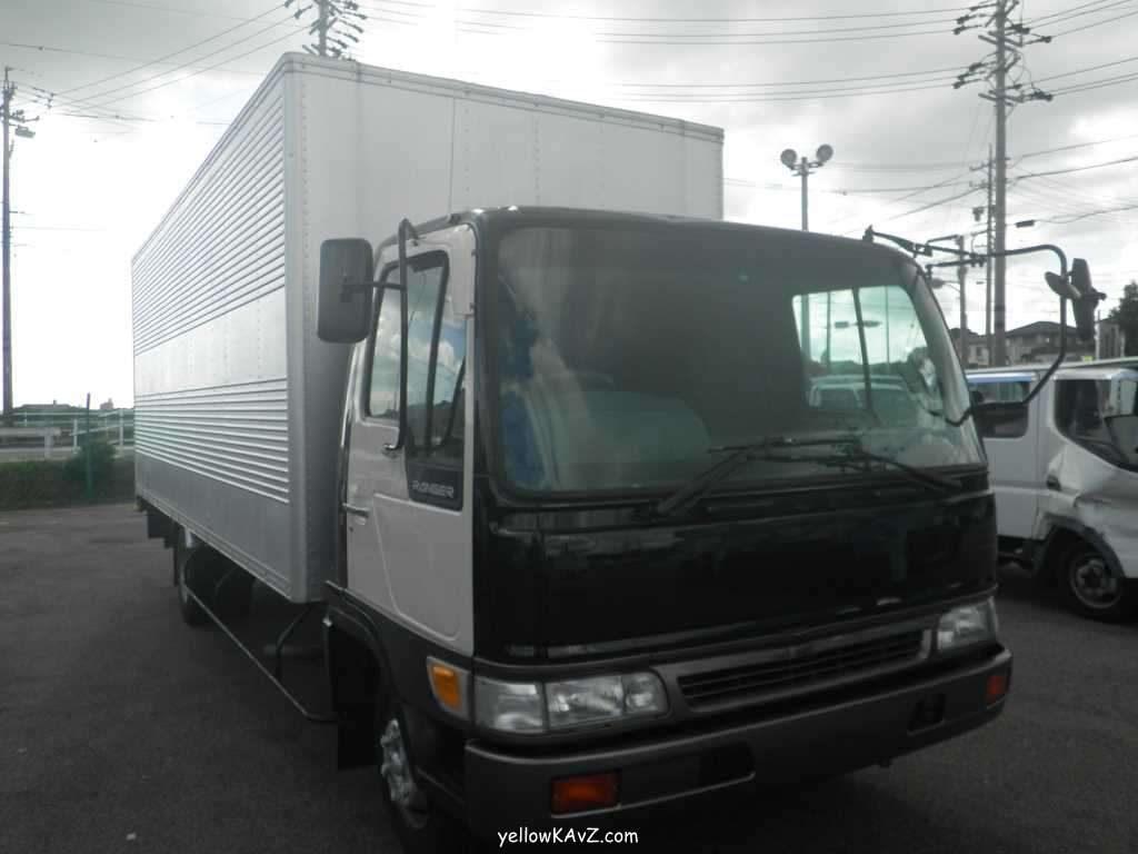 половинка грузовика Hino Ranger
