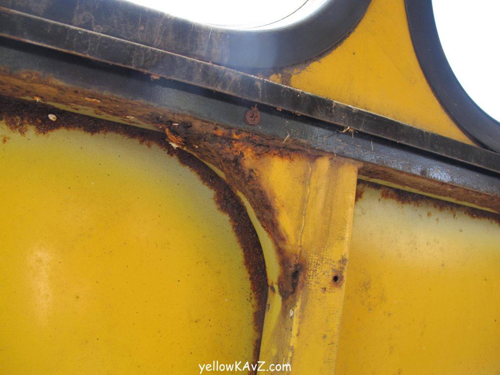 ржавчина на кузове автобуса кавз