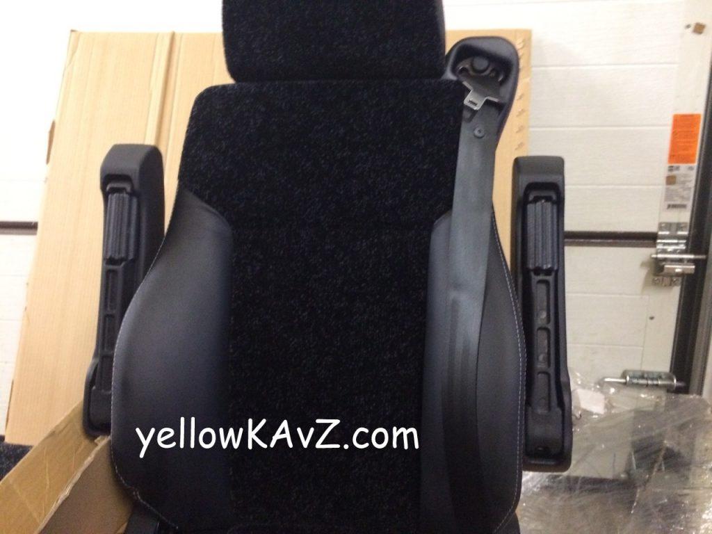 кресло с пневмоподвеской с механизмом вращения